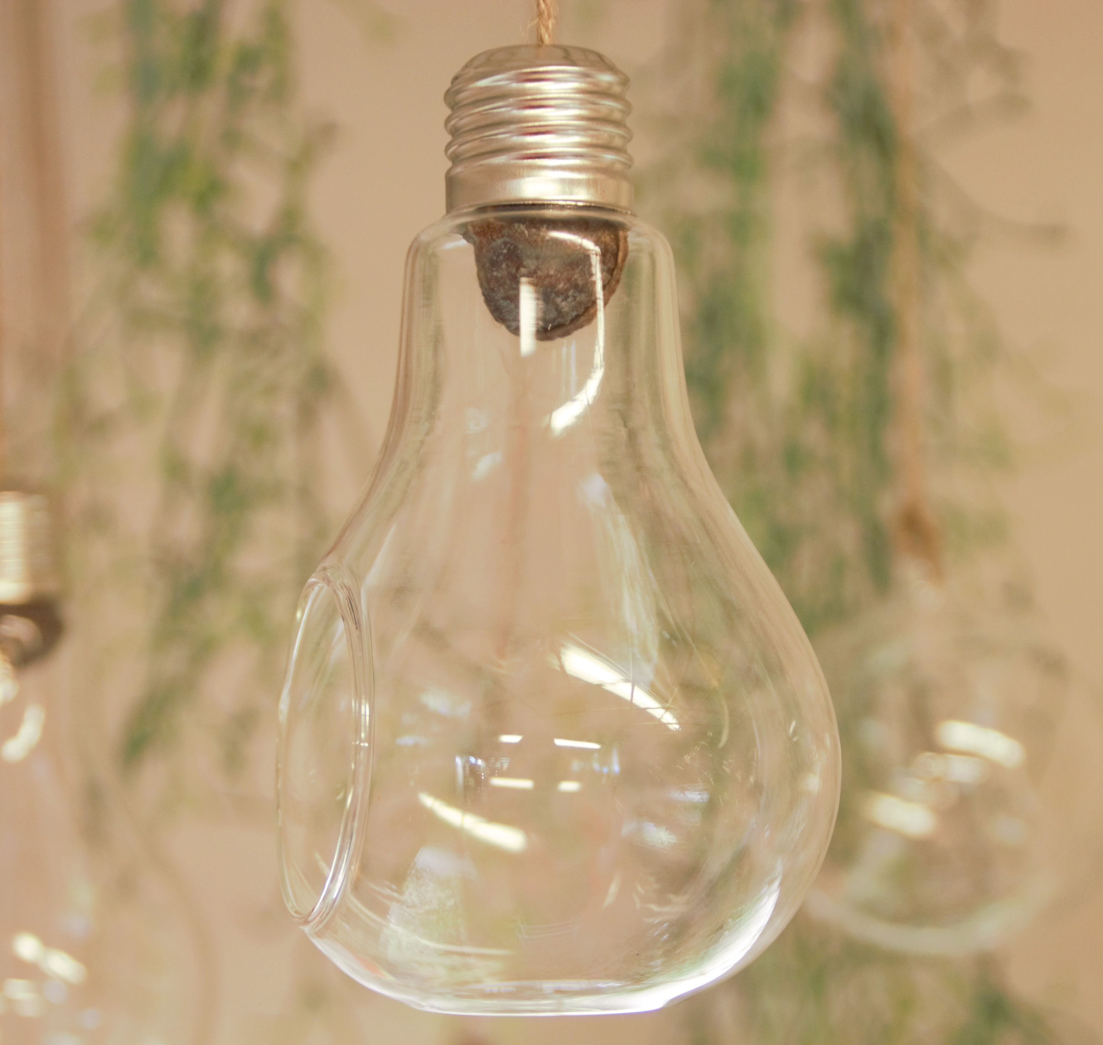 petite ampoule diam tre 8 cm les demoiselles de l 39 air. Black Bedroom Furniture Sets. Home Design Ideas